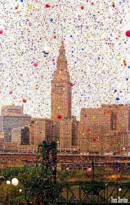 Il Cleveland Balloonfest. Oltre 1,5 milioni di palloncini sono stati liberati simultaneamente, 1986