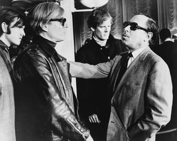 Warhol (a sinistra) e Tennessee Williams (a destra) al SS Francia, 1967. Sullo sfondo Paul Morrissey