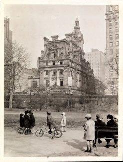 Bambini che giocano a Central Park, New York, ca. 1910