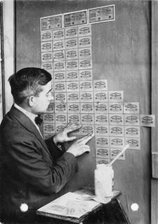 Banconote usate come carta da parati durante l'iperinflazione, Germania 1923