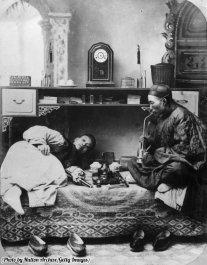 Fumatori di oppio in Cina, circa 1865