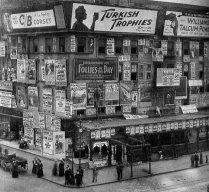 I cartelloni in Times Square, ca. 1900