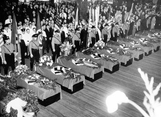 I funerali per i 28 tedeschi hanno perso la vita nel disastro dell'Hindenburg, 1937