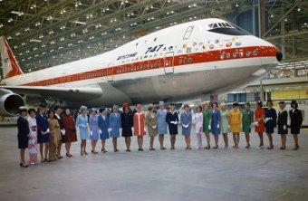 """Il 30 settembre 1968, solo 3 mesi dopo il primo schizzo, è planato il primo Boeing 747 chiamato """"Città di Everett"""""""