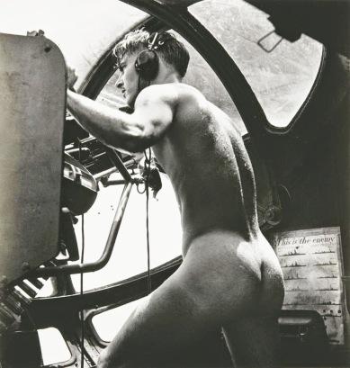 Il mitragliere nudo, Battaglia di Rabaul, 1944