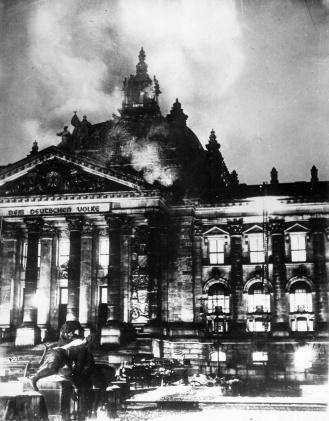 Il Palazzo del Reichstag a fuoco, 1933