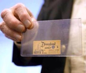 Il primo biglietto d'ingresso Disneyland mai venduto