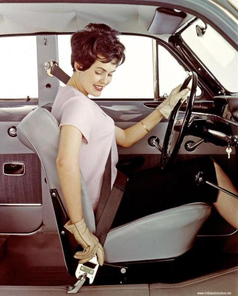 Nel 1959, la Volvo ha inventato la cintura di sicurezza, poi ha dato una licenza gratuita a tutte le altre case automobilistiche per usarla
