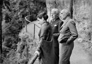 Indira Gandhi, C. Chaplin e J. Nehru