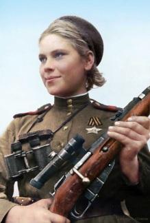 Intelligente, bella e mortale, il cecchino sovietico Roza Shanina a 19 anni aveva 59 omicidi confermati, 1945