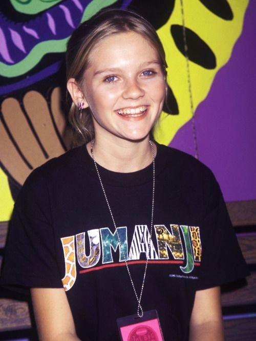 Kirsten Dunst indossa una maglietta Jumanji, 90