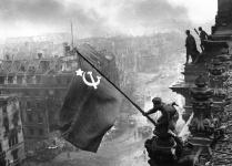 La bandiera sovietica sul Reichstag, 1945