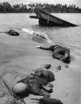 Il volto della guerra: Le prime foto della stampa di soldati statunitensi morti presentate al pubblico, 1943