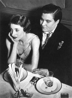 Coppia di lesbiche a Le Monocle, Parigi, 1932