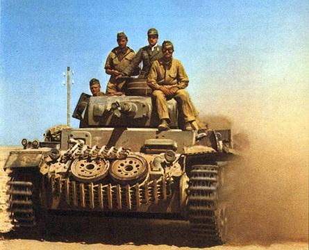 Panzer III tedesco nel deserto, 1942
