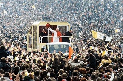 Papa Giovanni Paolo II è stato il 1° Pontefice a visitare l'Irlanda, 29 settembre 1979