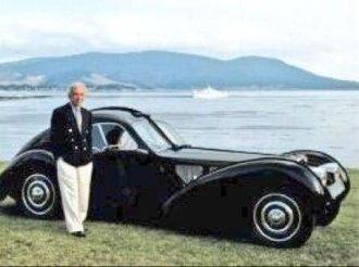Ralph Lauren con una Bugatti 57SC Atlantic Coupe da 35 milioni di dollari