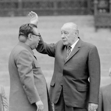 Rara foto di Kim Il-sung col tumore sul collo grande come una palla da baseball, 1984