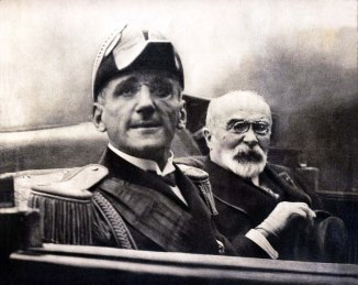 Re Alessandro I di Jugoslavia e Louis Barthou, ministro degli Esteri francese, il giorno del loro assassinio operato da Vlado Černozemski, 1934