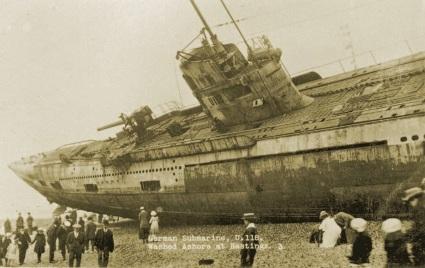 U-118, un sottomarino della guerra mondiale sulla spiaggia di Hastings, 1919