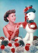 Debbie Reynolds alle prese con le decorazioni natalizie