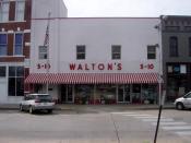 Il primo negozio Walmart, aperto nel 1962 da Sam Walton