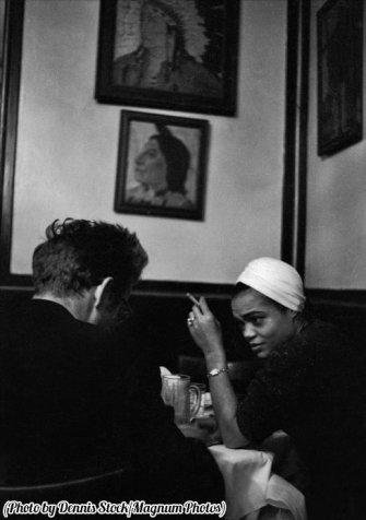 James Dean in un bar con Eartha Kitt, New York, 1955