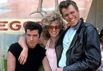 John Travolta, Olivia Newton-John e Jeff Conaway sul set di Grease, 1978