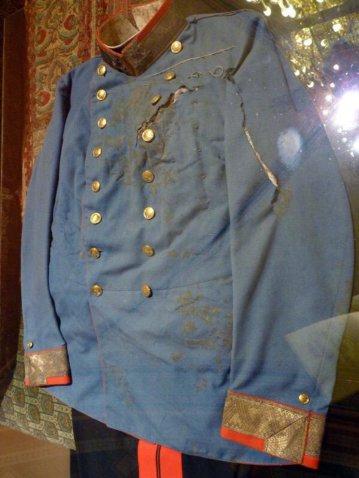 La divisa indossata da Francesco Ferdinando durante il suo assassinio nel 1914, l'evento che ha scatenato la prima guerra mondiale