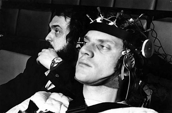 Stanley Kubrick e Alex DeLarge sul set di Arancia Meccanica