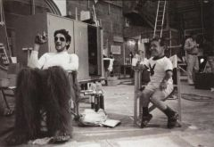 Chewbacca fuma una sigaretta con R2D2, 1978
