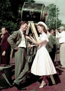 "Debbie Reynolds e Donald O'Connor sul set di ""I Love Melvin"", 1953"