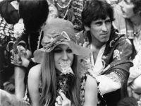 Hippies nel Regent's Park di Londra. 1968