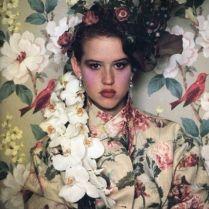 Molly Ringwald, Vanity Fair, 1984. Fotografia di Sheila Metzner