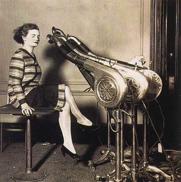 Primo asciuga capelli - circa 1920
