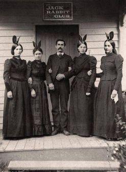 The Jack rabbit Club. Quest'uomo ha anticipato Hugh Hefner di 70 anni (fine del 1800)