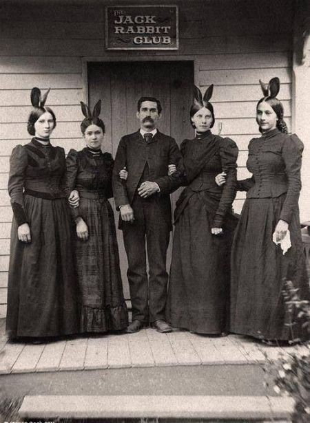 The Jack rabbit Club. Quest'uomo ha anticipato Hugh Hefner di 70 anni (fine del 1800)