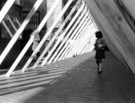 """""""Campo Urbano"""" (copro una strada e ne faccio un'altra) (dalla ricerca """"Il Sistema disequilibrante"""") Como 1969 (Ph. Ugo Mulas)"""