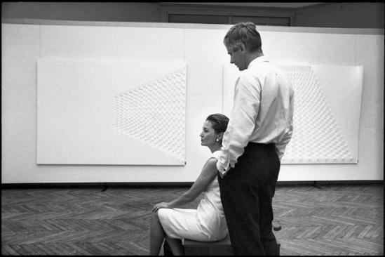 1966 Ugo Mulas, Biennale di Venezia, Enrico Castellani