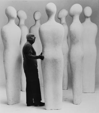 Fausto Melotti pictured with 'I Sette Savi' (1960) Photo: Ugo Mulas