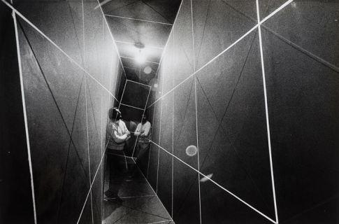 Gianni Colombo, 1970. Fotografia di Ugo Mulas