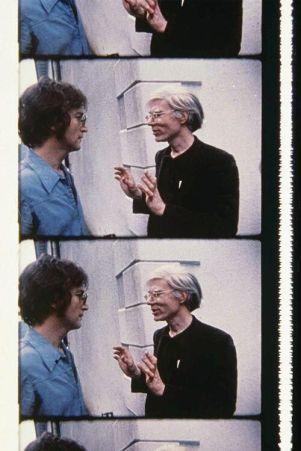 John Lennon & Andy Warhol ad una festa, fotografati da Deborah Colton 1971