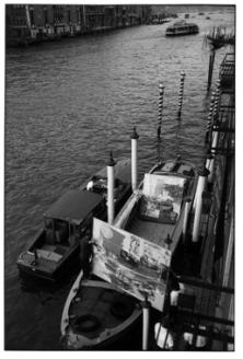 Le opere degli artisti pop trasportate in laguna, Robert Rauschenberg, Ranocchio (1964), Venezia, Biennale 1964 © Fotografie di Ugo Mulas © Eredi Ugo Mulas. Tutti i diritti riservati