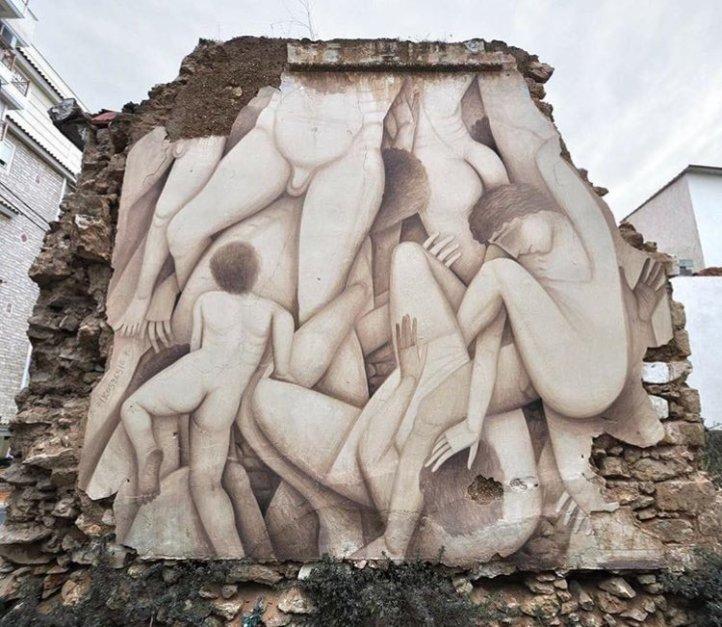 Street art by Fikos @Pireo, Grecia