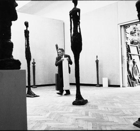 Ugo Mulas, Alberto Giacometti nella sua sala, XXXI Biennale d'Arte, Venezia, 1962