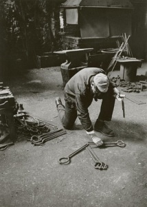 Ugo Mulas - David Smith in his Voltri studio by ugo mulas, Voltri 1962