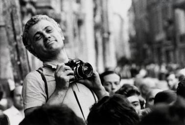 Ugo Mulas fotografato da Gianni Berengo Gardin, Como 1969