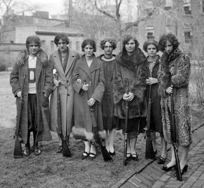 1925 Drexel Institute - Team di donne con fucile