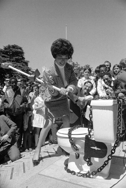 1970 lotta femminista contro le Pay Toilets