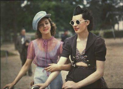 A passeggio per Parigi, 1930